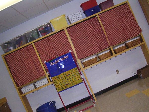 Room_shelves