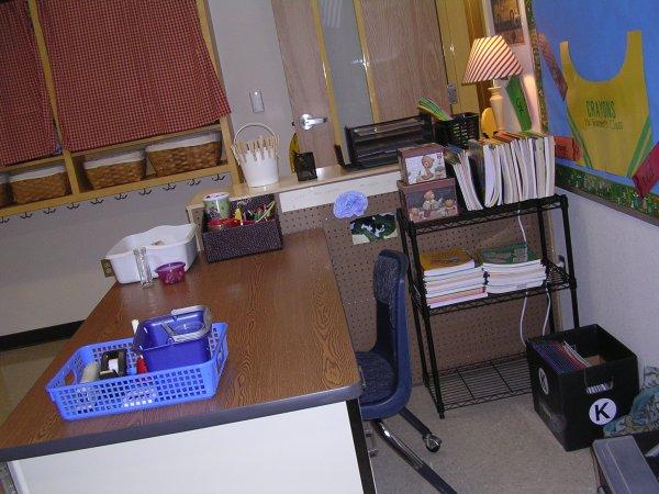 Room_desk